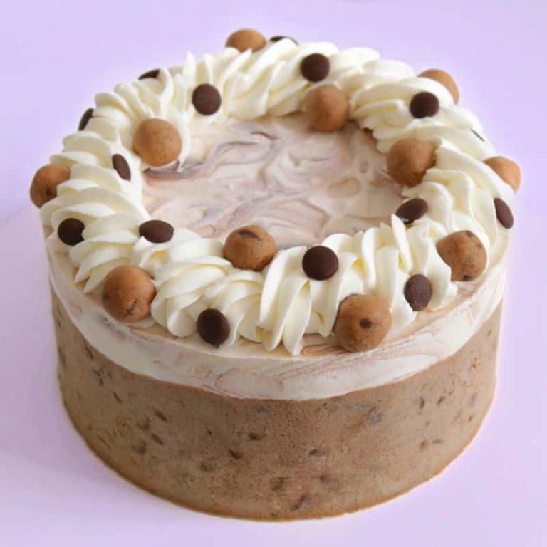 עוגת מוס גבינה ובצק עוגיות